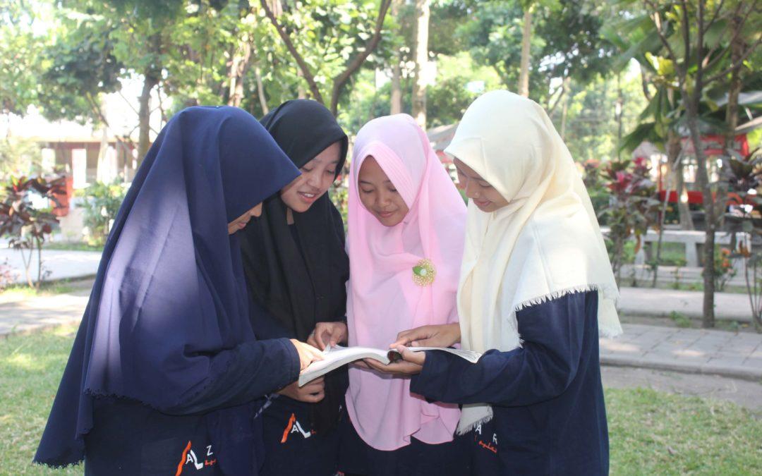 3 Alasan Ini Akan Bikin Kamu Jatuh Cinta dan Ingin Mengenal Bahasa Arab